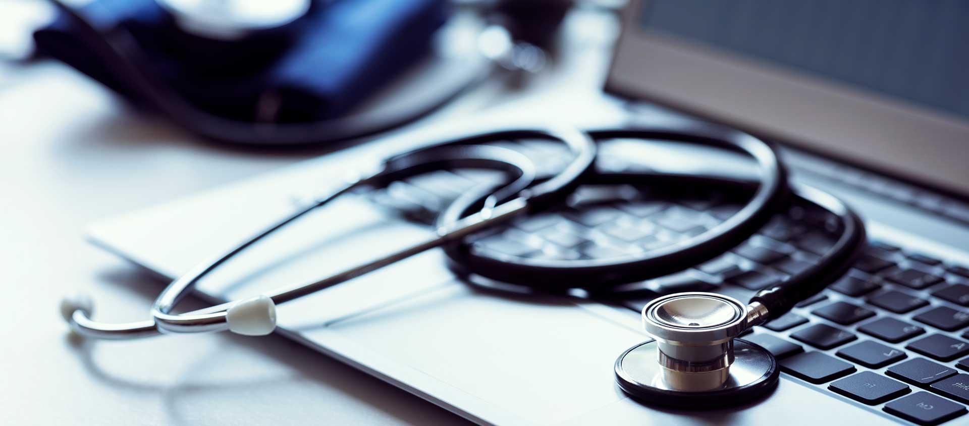 CFM suspende novas regras para a telemedicina