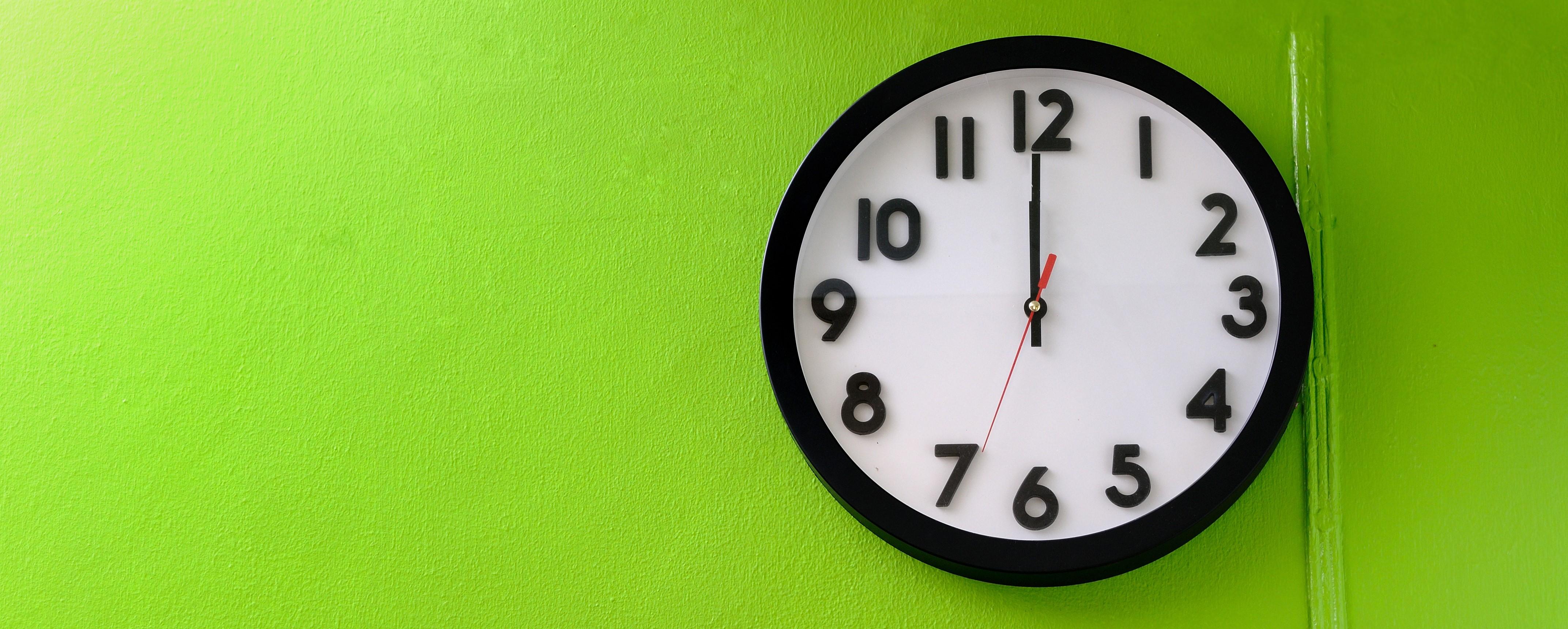 Trabalhar à noite faz mal à saúde? Como minimizar riscos